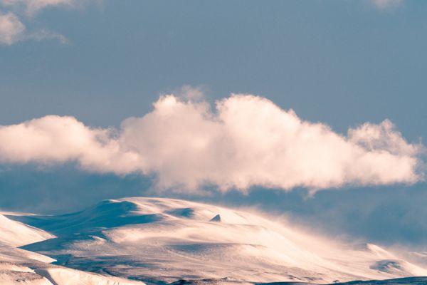 piramide-van-sneeuw-pyramid-of-snow-1-20141219-209728402657688693-1F4A-D0B9-81E1-D6D479F82A13.jpg