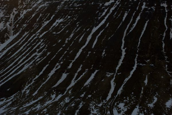 relief-in-sneeuw-en-rots-relief-in-snow-and-rock-20141219-162335108249C9CDDE-C5D8-4906-6C38-030BB165A582.jpg