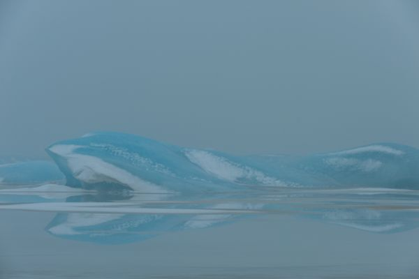 fjallsarlon-ijs-weerspiegeling-ice-mirror-20150224-1256439704947B7766-CB39-744E-16B1-5D7BA6A1A400.jpg