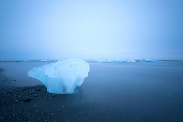 joekulsarlon-ijs-op-strand-ice-on-black-beach-20150224-196629561701207148-9CD3-58CC-F5EF-165372F6C492.jpg