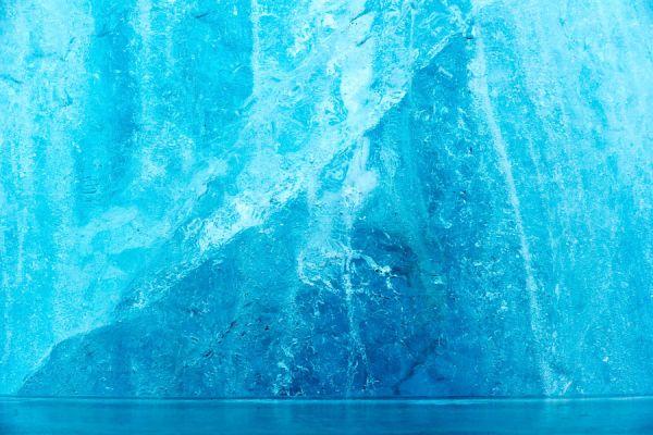 joekulsarlon-ijsrots-ice-detail-20150224-15945029585A19AF4E-FDF2-F647-4005-CB5B949A4BB9.jpg
