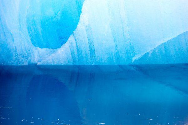 joekulsarlon-ijsrots-weerspiegeling-ice-rock-mirror-20150224-127192776182CCDC75-EFC6-B4AB-4C94-CFE29C42AC8D.jpg