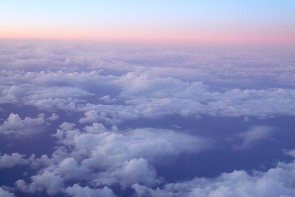 zon-boven-de-wolken-op-terugreis-sunrise-above-the-clouds-20150224-1108671010F5FF3C33-3CDD-A1E8-6957-03F885798058.jpg