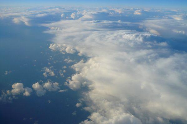 zon-boven-de-wolken-op-terugreis-sunrise-above-the-clouds-20150224-1535969679EC6ECB8E-4379-FB13-333C-E78D2B4E4FC7.jpg