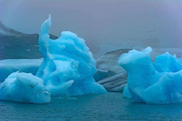 joekulsarlon-icerocks-20170625-201323120131CD6426-B590-F253-DAD3-97A050B445D5.jpg