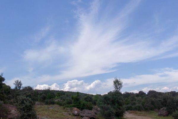 wolkenwaaier-clouds-above-land-20150527-10984246888A301791-FF51-BAEF-7B6F-6FA0FE5CE94D.jpg