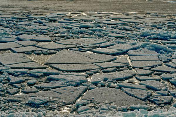 kruiend-ijs-drifting-ice-2-20141220-108722896838C5B779-8C06-D32C-B372-DDB7F2C99E9C.jpg