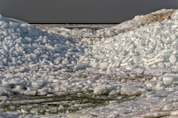 kruiend-ijs-drifting-ice-5-20141220-1124454363ECDD2BF6-A967-9E0B-13F3-7DC54237724B.jpg