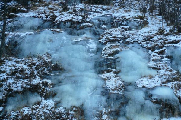 bevroren-waterval-frozen-waterfall-20141219-1893825728382A9EFA-7501-33C5-A7D3-5EC29E26B735.jpg
