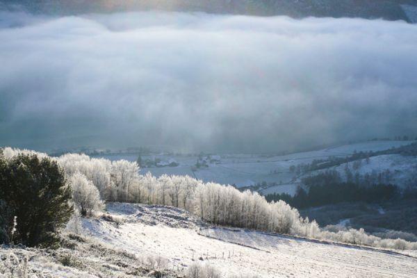 wolk-in-een-dal-bij-lom-clouds-on-a-hill-at-lom-20141219-20838024716497E638-FF82-AFB5-222D-EDFF4C1BBFFA.jpg