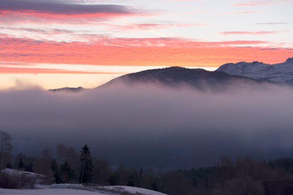 zonsopkomst-bij-lom-sunrise-at-lom-5-20141219-158248732606170C6E-6707-7DF3-F77F-EB73738832AA.jpg