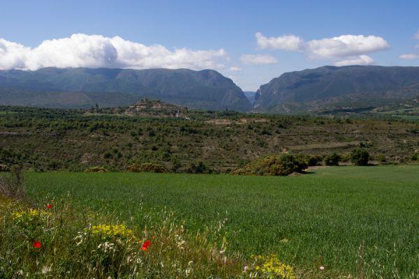 lijnenspel-in-spaans-landschap-spanish-pyrenean-landscape-1-20141219-140084298611DE7D5D-0017-12FB-A143-34EC348C3330.jpg