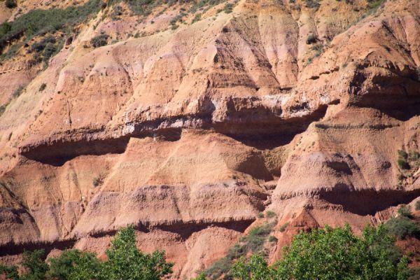 lijnenspel-in-spaans-landschap-spanish-pyrenean-landscape-2-20141219-1883567073B69C0E03-F9BD-3E0B-AFE7-8E978BD59078.jpg