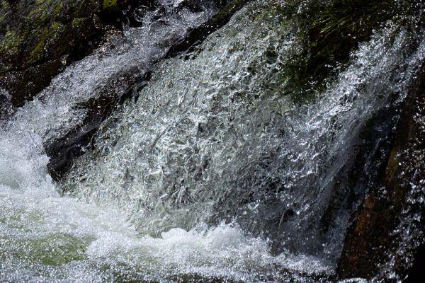 waterval-in-de-gredos-mdhBCAEF06A-6B7D-A483-D453-9E60B8AB0232.jpg
