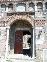 klooster_ypsilou_-_monastery_entrance_20150527_1023659957