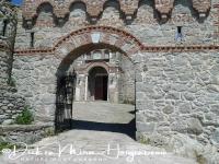 klooster_ypsilou_-_monastery_entree_20150527_1766164339